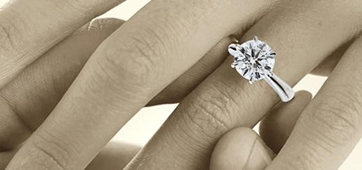 Perchè rimane in voga regalare gli anelli di fidanzamento?